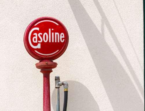 Divergência em julgamentos sobre a consideração de Álcool Anidro como insumo para produção de gasolina.